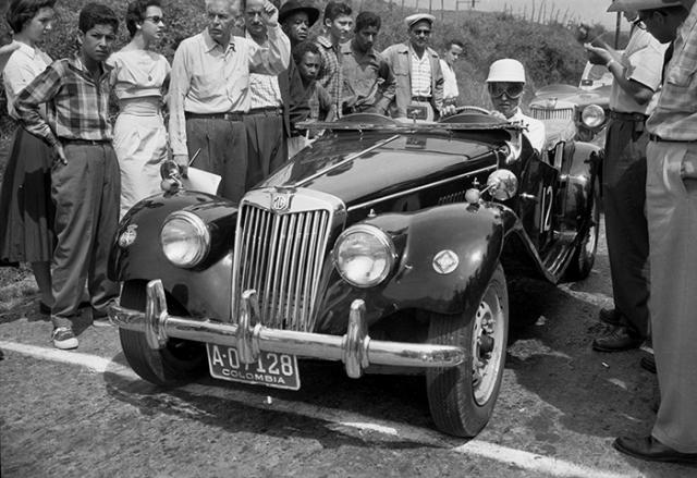 Carreras de automóviles_1957_Diego García DIGAR