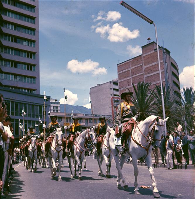 Desfile de Veteranos de Corea_1977_Diego García DIGAR